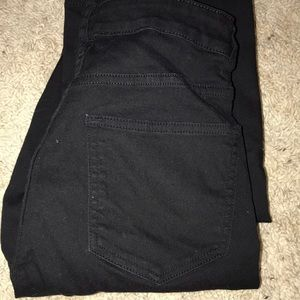 All black H&M skinny jeans